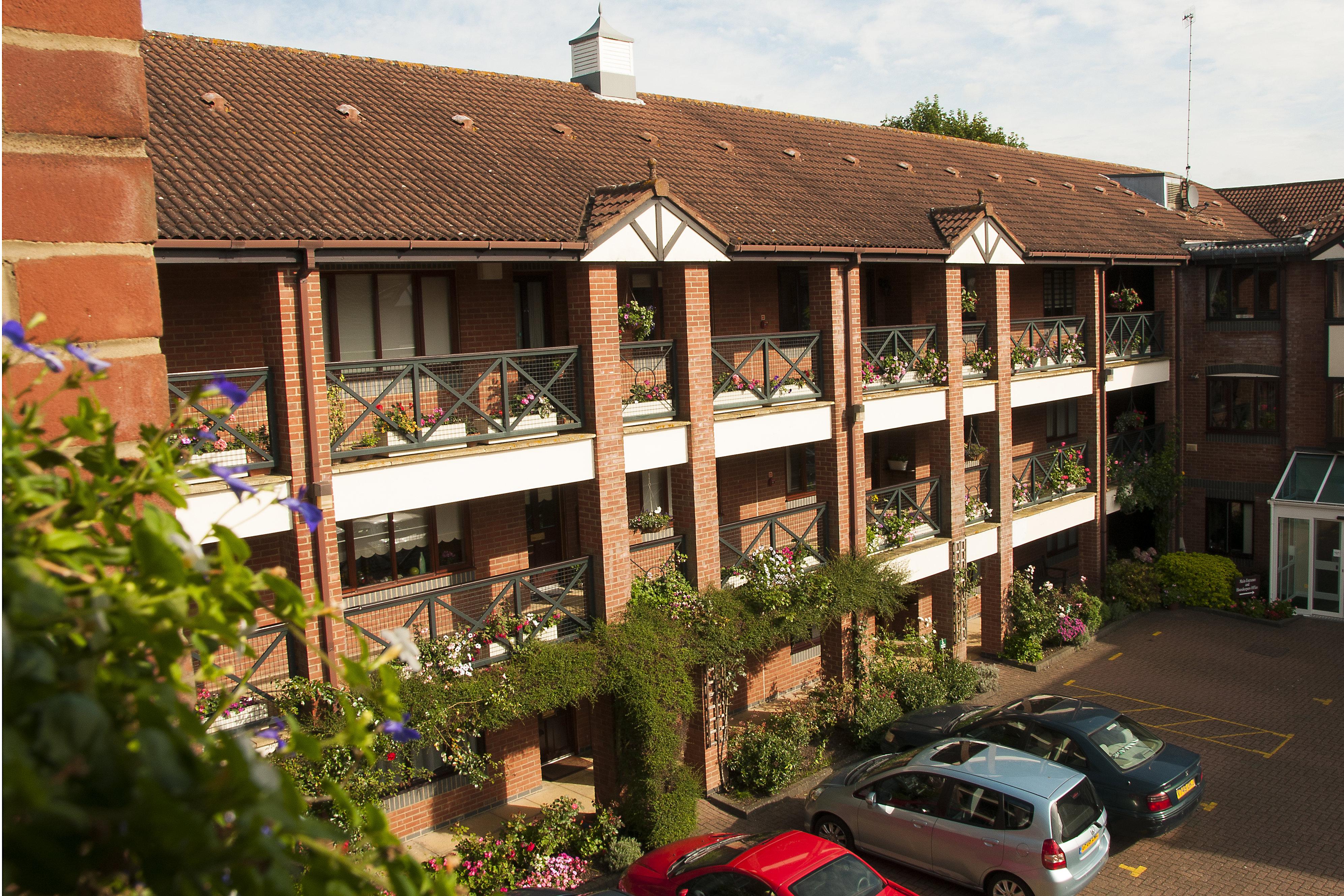 18 -flowery balcony